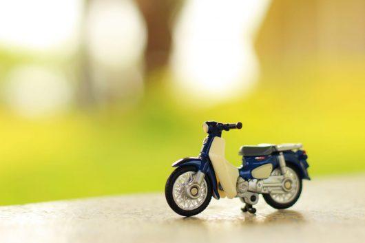 4分で読める!普通免許で原付バイクに乗れるかの疑問に答えます